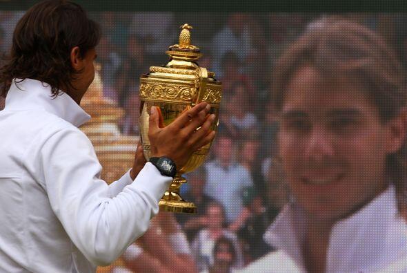 24.- ¡Segundo Wimbledon! Lo logró derrotando en la final al checo Tomas...