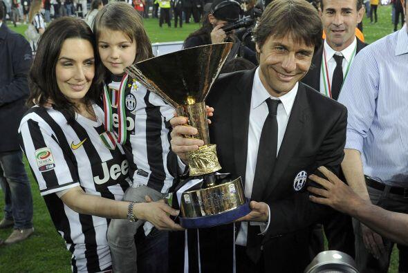 Y la celebración tuvo un especial toque familiar, Antonio Conte con su e...