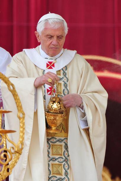 NOVIEMBRE DE 2011: Benedicto XVI visitó en Benin las ciudades de...