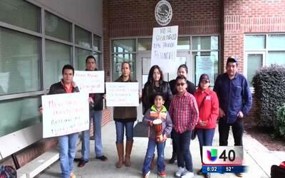 Comunidad mexicana en Raleigh protesta en contra del 'gasolinazo'