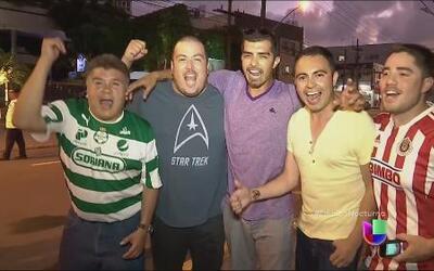 Aficionados mexicanos viajan a Recife para apoyar a su selección