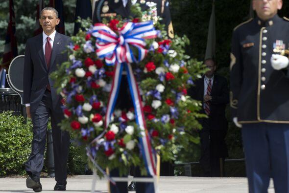 Durante la conmemoración del Memorial Day, el presidente Barack Obama ho...