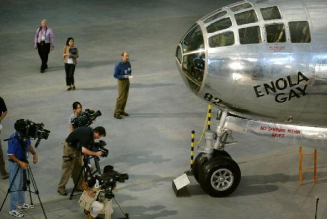 """Eran las 8:15 de la mañana cuando el bombardero estadounidense B-29 """"Eno..."""