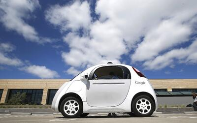 ARCHIVO -En esta foto del 13 de mayo del 2015, un prototipo de automóvil...