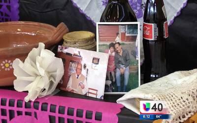 Miembros de la comunidad hispana celebran el Día de Muertos en Raleigh