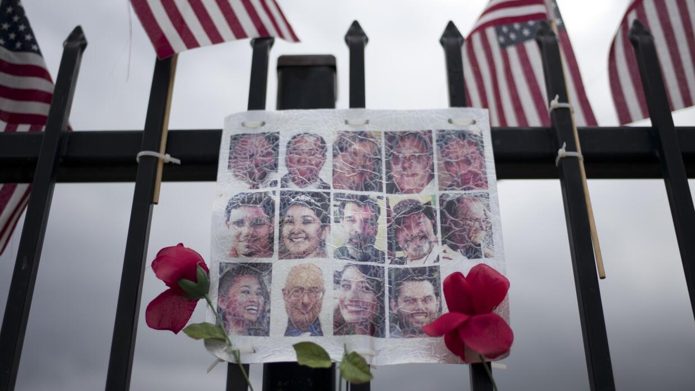 Esta imagen recuerda a las 14 víctimas mortales del ataque en San Bernar...