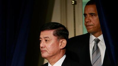 Obama acepta la renuncia del Secretario de Asuntos de Veteranos