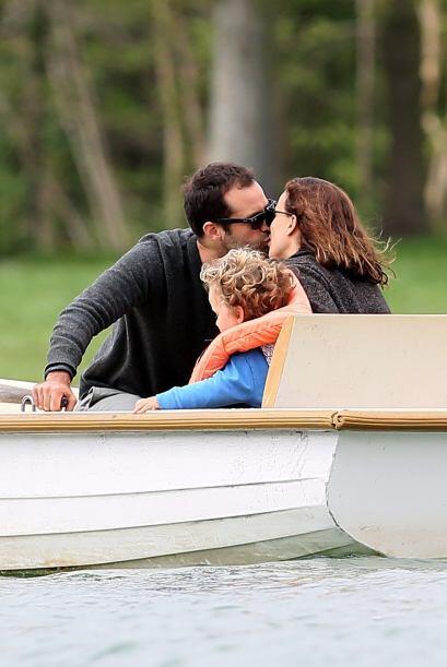 Natalie Portman y su marido Benjamin Millepied sacaron de paseo su amor...