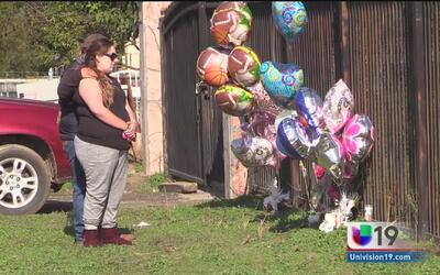 Comunidad recuerda a los tres miembros de familia que murieron en incendio