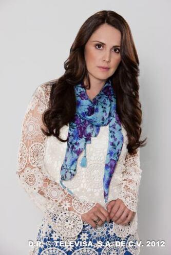 Natalia Esperón competirá por este premio por su participación en Amores...