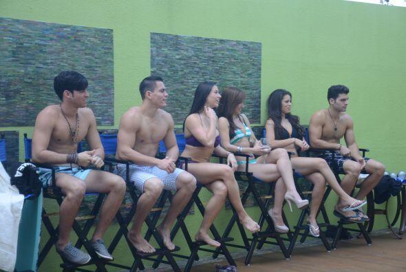 El concurso también tenía sus preguntas al estilo Miss Universo. Laura d...