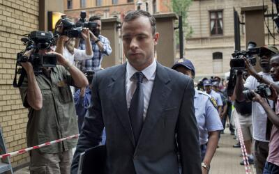 "Oscar Pistorius, ""roto"" frente a justicia"