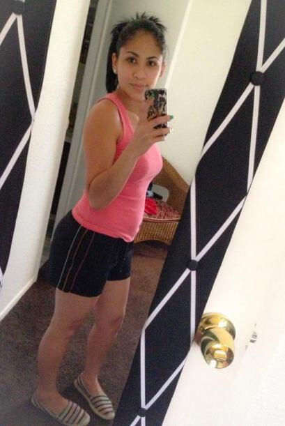 @HerndezAlondra: Mírame y sin maquillaje y feliz con dos hijos #YoSoyTon...
