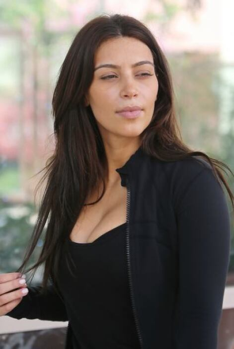 La Kardashian no llevaba maquillaje. Más videos de Chismes aquí.