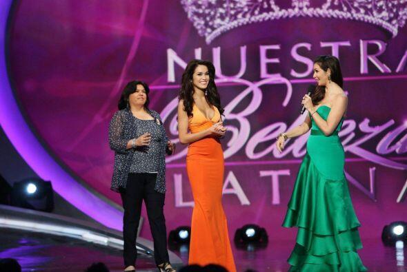 Lupita fue la primera en anunciar a su chica y la afortunada fue Bárbara...