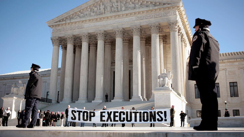Líderes políticos exigen que los tribunales estatales sean declarados sa...