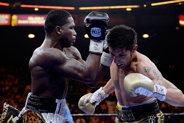 Adrien broner derrotó a John Molina por decisión unánime en una pelea qu...