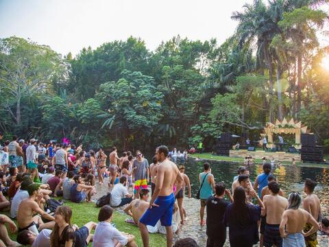 Bahidorá, un festival de música junto a un río cris...