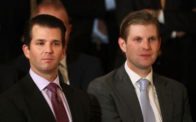 El viñedo pertenece a Eric Trump (derecha), uno de los hijos del preside...