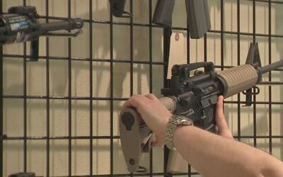 Iniciativa de ley permitiría usar armas en Texas sin tener licencias