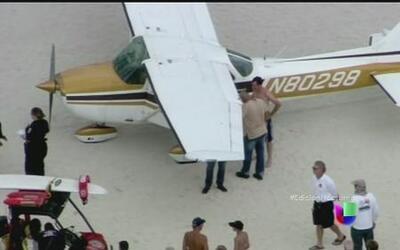 Otro avión aterriza en una playa de la Florida