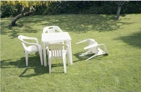 Algunos usuarios de redes sociales han reportado muebles caídos....