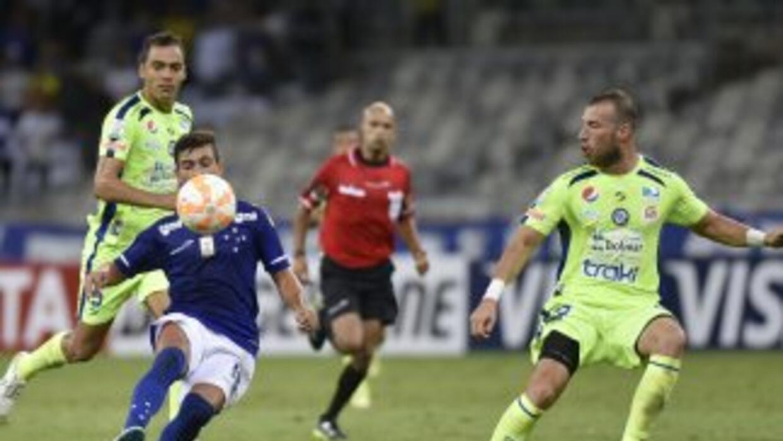Cruzeiro se impuso 3-0 a Mineros.