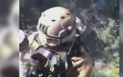 Rescatan a un hombre que cayó al fondo de un barranco cuando hacía sende...