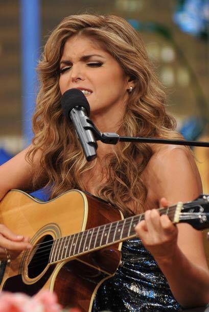 La mexicana cantó con gran sentimiento.