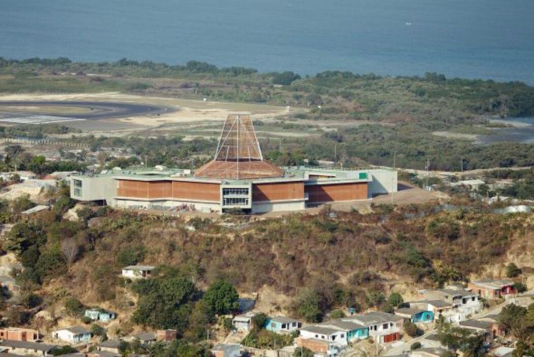 El colegio que 'Shaki' inauguró en Cartagena tiene una capacidad para ca...