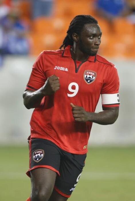 Kenwayne Jones, con dos goles, fue fundamental para que Trinidad y Tobag...