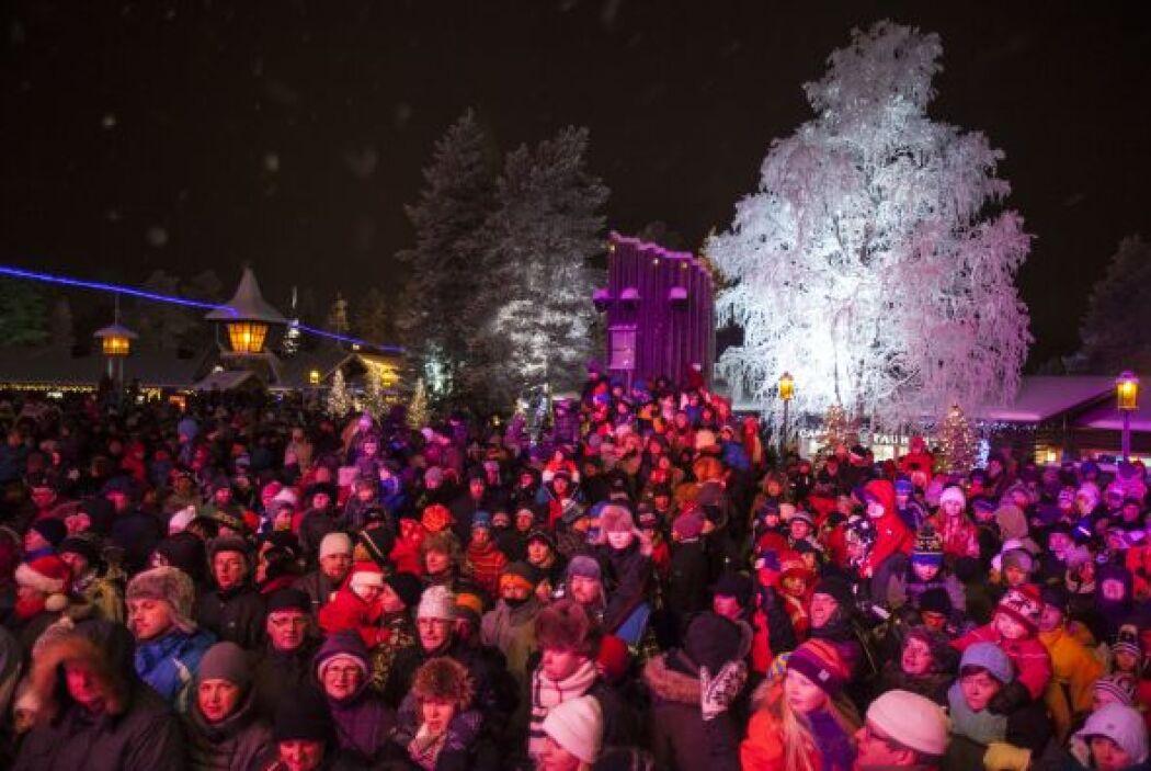 En el gélido lugar se celebra una Feria de Navidad que incluye decoracio...