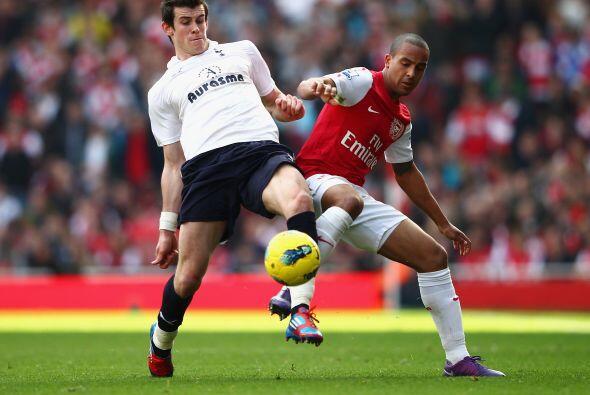Tottenham no enocntraba forma de contrarrestar la velocidad del Arsenal.