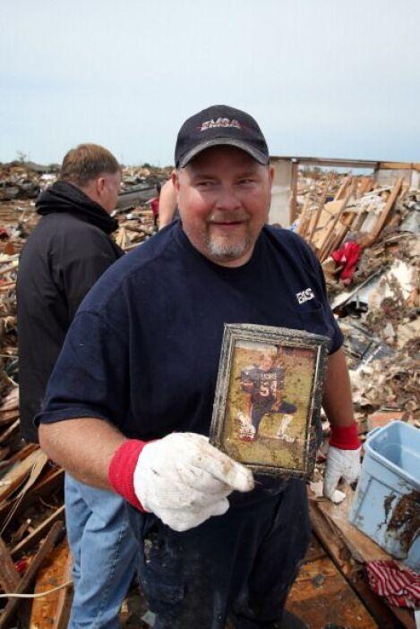 Curtis Cook recuperó una foto suya de la secundaria donde aparece con su...