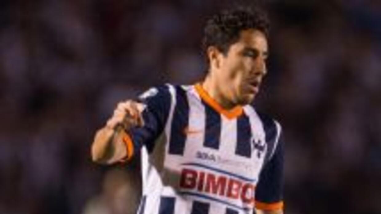 Efraín Juárez está levantando su nivel de juego con Rayados de Monterrey.