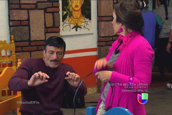 ¿De dónde sacó esa pulsera don Javier? Se ve que es...