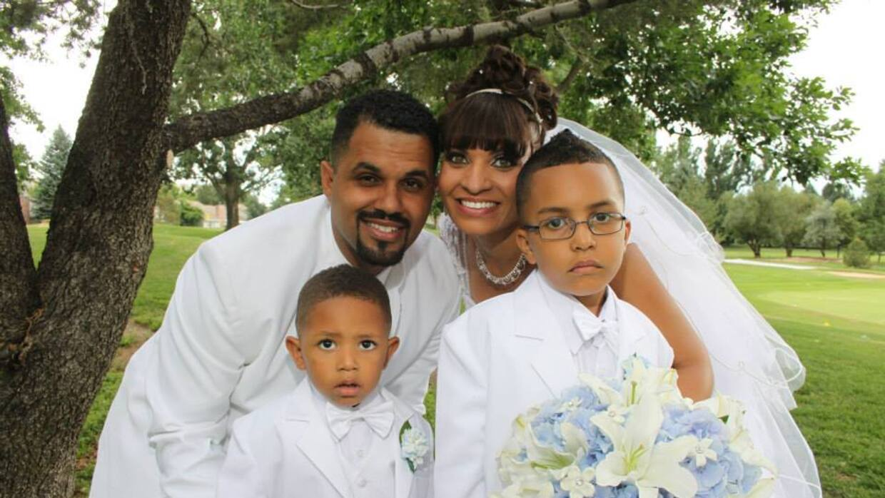 René Lima Marín with his wife and two children. Lima Mar&i...