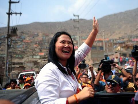 Keiko Fujimori, hija del ex presidente Alberto Fujimori, busca llegar a...