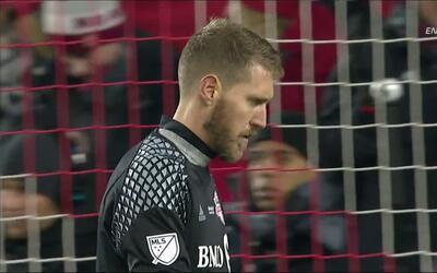 Goooolll!!! Brad Evans anota su penalti para el Seattle Sounders