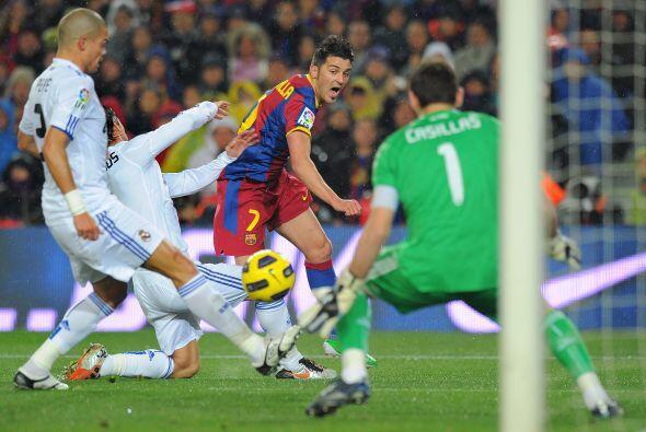En una escapada por la banda izquierda, David Villa se coló al &a...