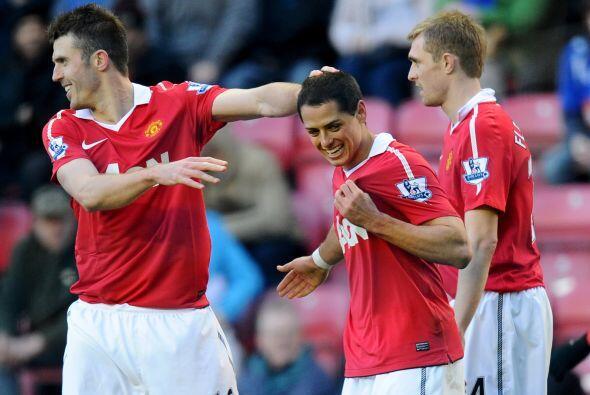 El ariete azteca marcó los primeros dos goles del United y demost...