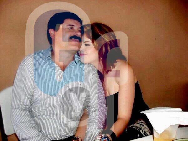 Estas son las imágenes nunca antes vistas de la novia secreta de 'El Cha...