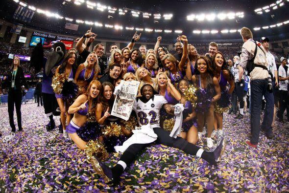 Las cheerleaders de los Ravens celebraron el triunfo en el Superdome de...