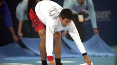 El piso húmedo hizo estragos en la competencia y hasta el serbio Novak D...