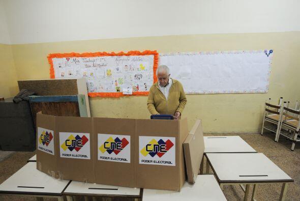 Diciembre 16- Se llevan a cabo las elecciones regionales en Venezuela, d...