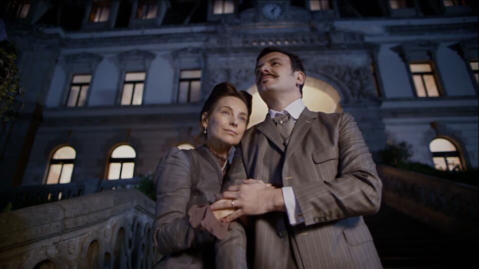 Sofía y Alfredo El hotel de los secretos