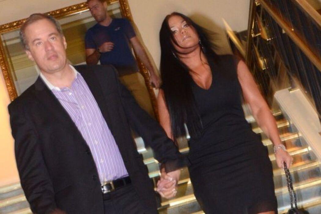 La pareja anunció que los planes de boda seguían en pie, la unión se lle...