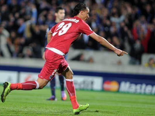 Y Chamakh marcó el 1-0, con el que la eliminatoria lucía m...