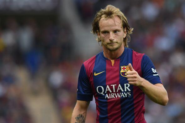 Para cubrir este hueco el Barcelona contrato al croata Iván Rakitic prov...