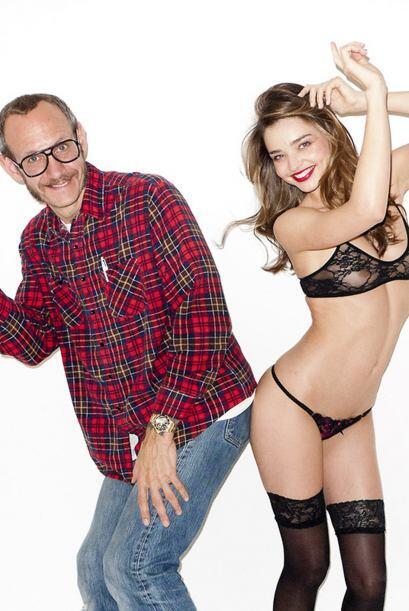 La modelo australiana Miranda Kerr posó muy sensualmente para el fotógra...